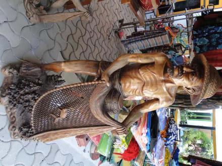 Holzfigur 1 - Lankan Manta Point