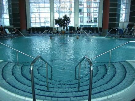 Innenpool - Heliopark Hotels & Alpentherme Leukerbad