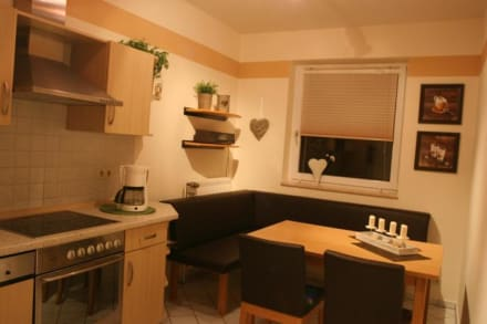 Küche mit moderner Leder-Eckbank Appartement 4
