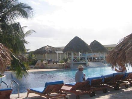 Melia Cayo Santa Maria. Swimming pool - Hotel Melia Cayo Santa Maria