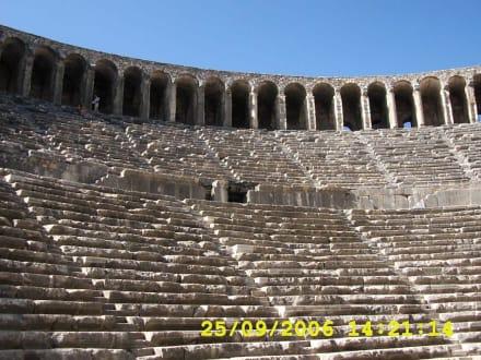 im Theater - Theater von Aspendos