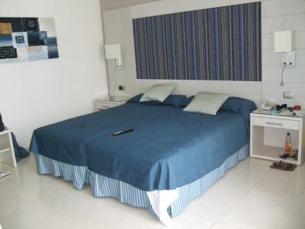 Unser Zimmer (Nr. 571) 5.Etage - Tigotan Lovers & Friends Playa de las Americas