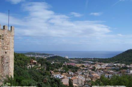 Ausblick vom Castell Richtung Cala Ratjada - Castell de Capdepera