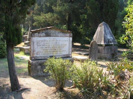 Auf dem Britischen Friedhof von Korfu-Stadt - Britischer Friedhof