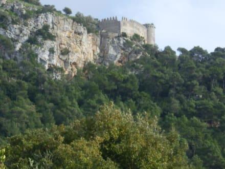Turm und Mauer - Castell de Santueri
