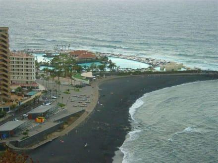 Blick auf die Meerwasserschwimmbädern - Playa de Martiánez