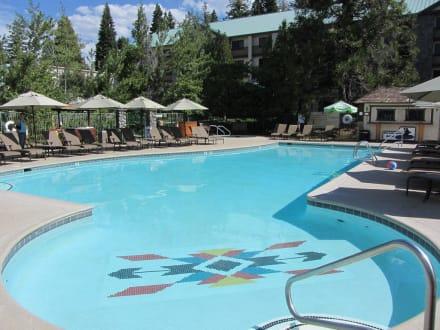 Außenpool der Tanya Lodge - Hotel Tenaya Lodge at Yosemite