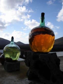 Weinbehälter - Weinanbaugebiet La Geria
