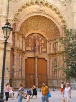 Haupteingangsportal der Kathedrale - Kathedrale La Seu