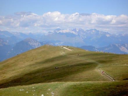 Auf dem Monte Baldo - Seilbahn Malcesine - Monte Baldo