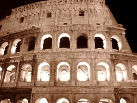 Historic sites (castle, palace, ruins, etc.) - The Colosseum