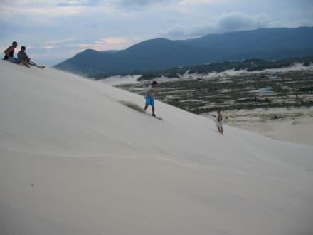 Sandboarder beim Üben - Strand Joaquina