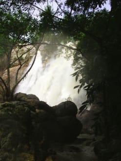 Namuang Wasserfälle - Na Muang Wasserfall
