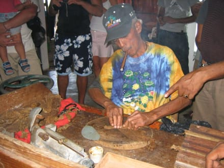 Zigarrenmanufaktur - RH Tours Ausflüge Punta Cana