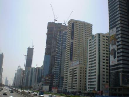 Stadtrundfahrt - Sheikh Zayed Road