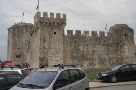 Burg - Festung Kamerlengo