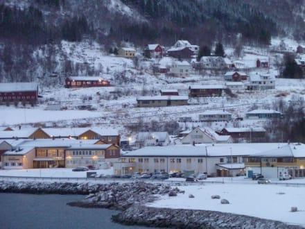 1. Hafen oberhalb vom Polarkreis - Ornes