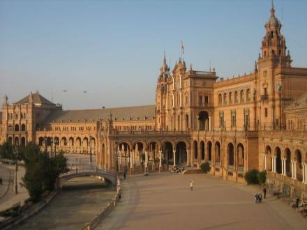Blick aus dem Treppenhaus im Mittelteil - Plaza de Espana