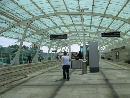 Flughafen porto francisco s carneiro opo in porto for Francisco peluqueros porto pi