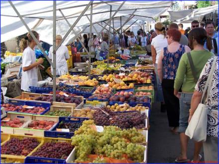 Markt am Samstag - Wochenmarkt