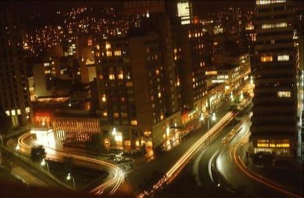 Bogota bei Nacht aus dem Hotelfenster - Zentrum Bogota