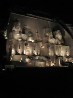 Der Tempel bei Nacht und Beleuchtung. - Tempel von Abu Simbel