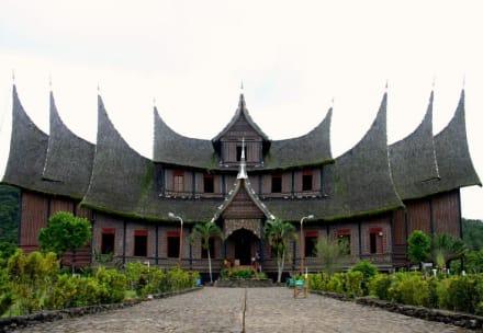 Königspalast bei Bukittinggi - Königspalast