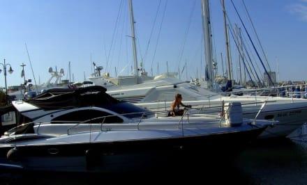 Am Hafen von Cervia - Hafen Cervia Pinarella