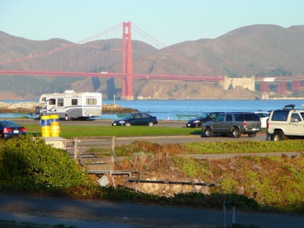 Super Parkplatz an der Marina von San Francisco - Golden Gate Bridge