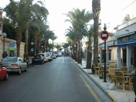 Hauptstraße von Can Picafort - Einkaufsmeile