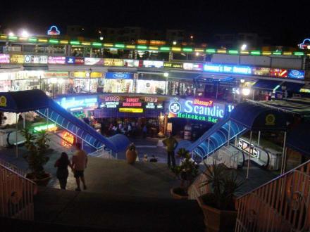 Center - Plaza Shopping-Center