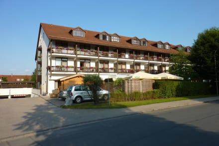blick auf haus chiemsee bild hotel st georg in bad aibling bayern deutschland. Black Bedroom Furniture Sets. Home Design Ideas