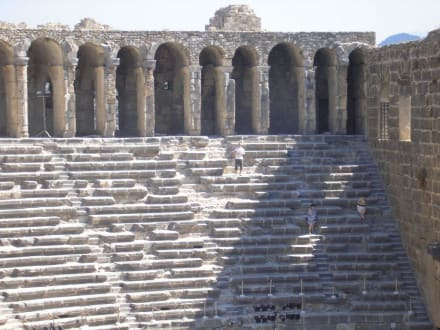 Sitzränge - Theater von Aspendos