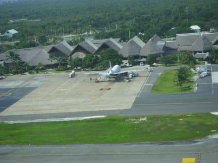 Flughafen von oben - Flughafen Punta Cana (PUJ)