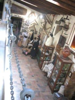 Ein kleiner Teil der Sammlung - Museo Etnográfico Tanit
