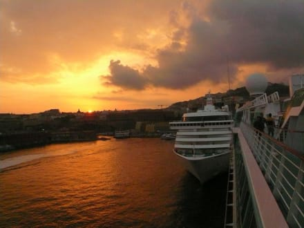 Landgang in Napoli - Hafen Neapel