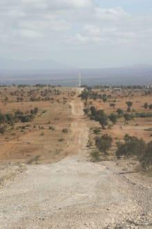 "500 km durch Kenia -"" beste Piste""-geradeaus - Amboseli Nationalpark"