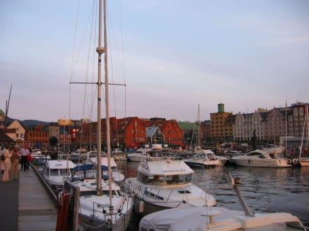 Samstagabend - Hafen Bergen