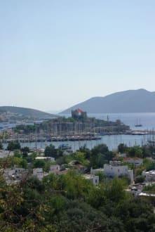 Blick auf den Hafen mit Kastell - Yachthafen Bodrum