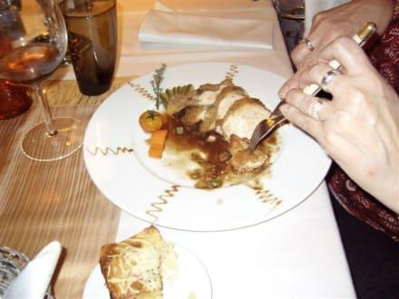 Dekoteller Perlhuhn - Hotel Restaurant La Chaumiere