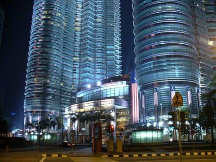 Nachtaufnahme - Petronas Twin Towers