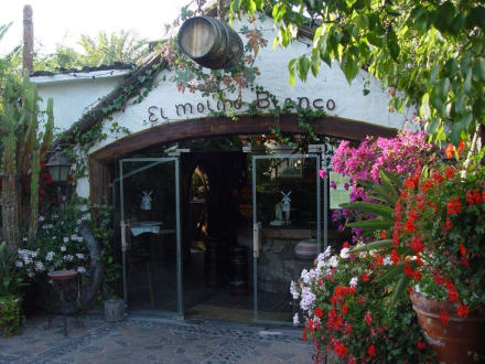 Eingang in den Innenbereich des Restaurant - El Molino Blanco