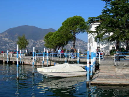 Herbsttag am Iseo-See - Hafen Iseo