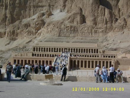 Hatschepsut Terrassen-Tempel - Tempel der Hatschepsut