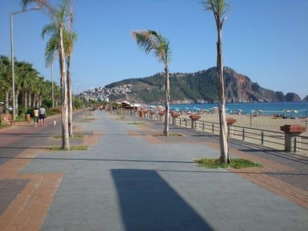 Strandpromenade - Strand Kleopatra/Strand Damlatasch