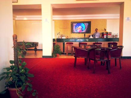 Lobby and lobby Bar -