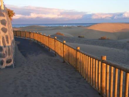 Weg unterhalb des Aussichtpunkts - Strandpromenade Playa del Inglés