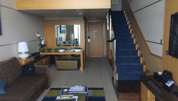 Crown Loft Suite 56 Deck 17