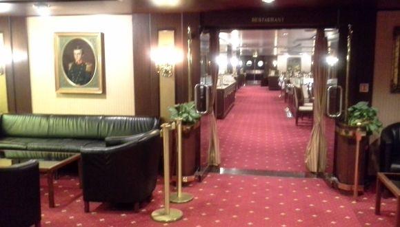 Blick von der Lobby in s Restaurant