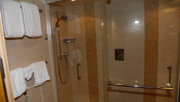 Crown Loft Suite Master-Badezimmer